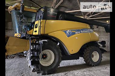 Комбайн зерноуборочный New Holland CR 9080 2008 в Токмаке