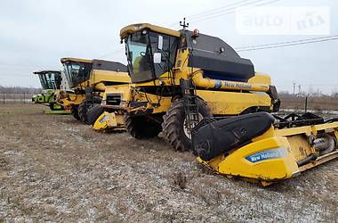 Комбайн зерноуборочный New Holland TC 5080 2010 в Василькове