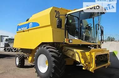 Комбайн зерноуборочный New Holland TX 66 2005 в Херсоне