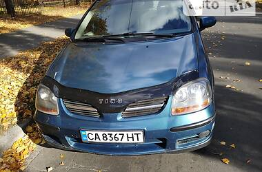Минивэн Nissan Almera Tino 2001 в Киеве