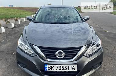 Nissan Altima 2016 в Ровно