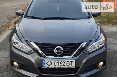Седан Nissan Altima 2018 в Киеве