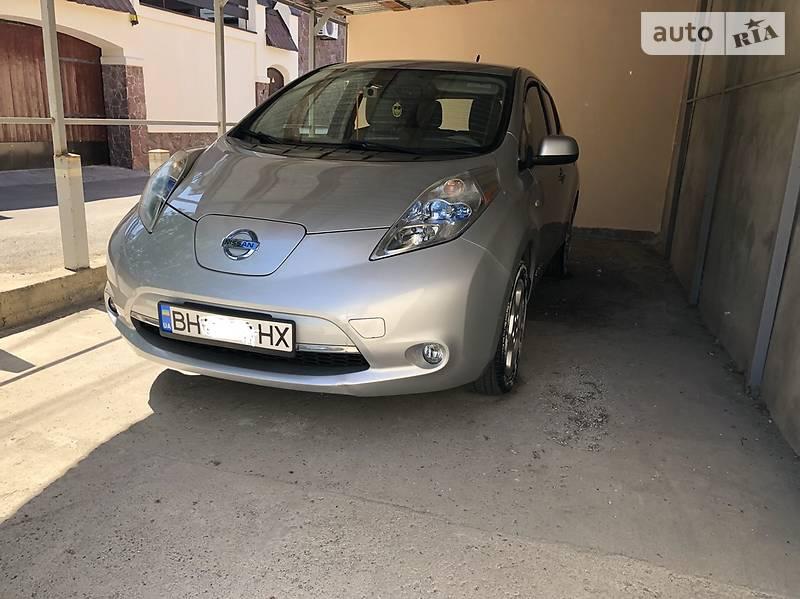 Nissan Leaf 2012 року