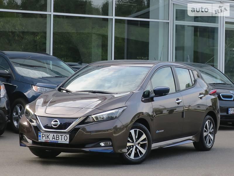 Nissan Leaf Acenta 40kW + Winter