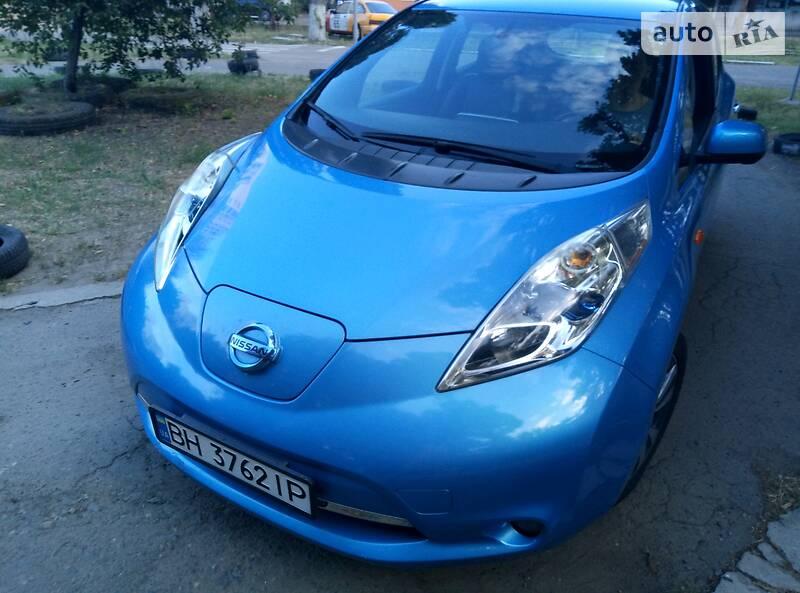 Седан Nissan Leaf 2013 в Одесі