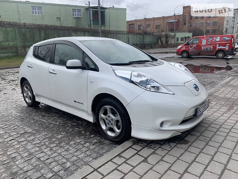 Хетчбек Nissan Leaf 2014 в Львові