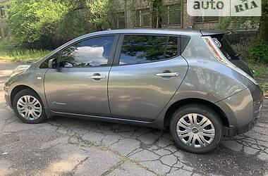 Хэтчбек Nissan Leaf 2014 в Запорожье