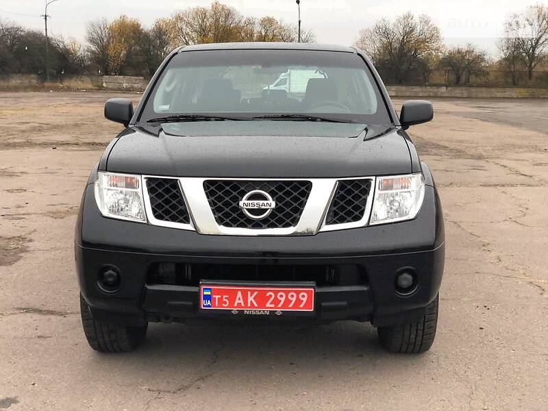Nissan Pathfinder 2010 в Луцке