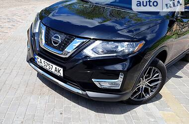 Внедорожник / Кроссовер Nissan Rogue 2017 в Черкассах