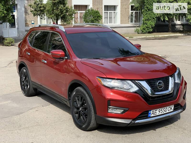 Внедорожник / Кроссовер Nissan Rogue 2018 в Каменском