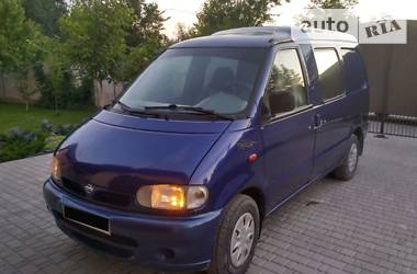 Nissan Vanette пасс. 1998
