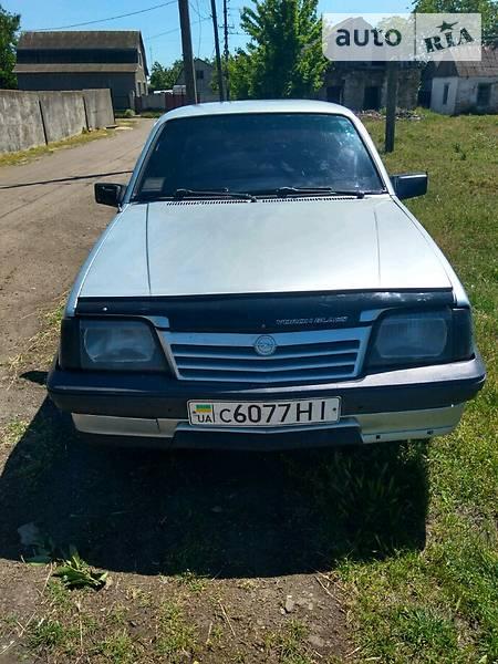 Opel Ascona 1987 року