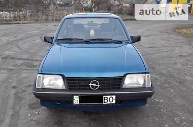 Opel Ascona 1986 в Камне-Каширском