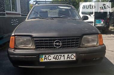 Opel Ascona 1986 в Владимир-Волынском