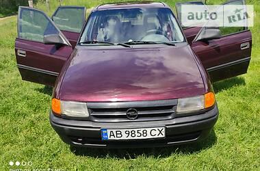 Седан Opel Astra F 1994 в Могилев-Подольске