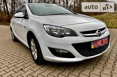 Opel Astra GTC 2015 в Ровно