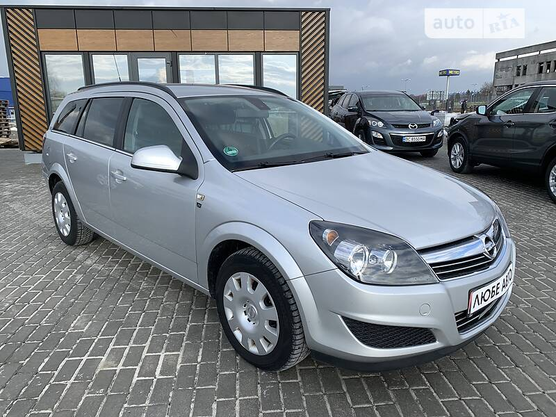 https://cdn0.riastatic.com/photosnew/auto/photo/opel_astra-h__383481460f.jpg