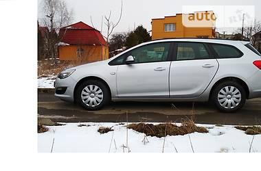 Opel Astra J Sports Tourer  2012