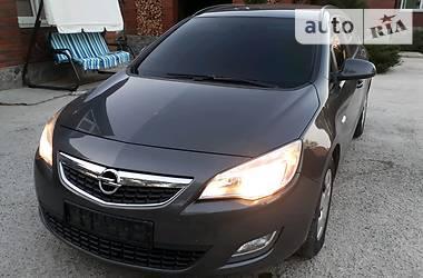 Opel Astra J 2012 в Сумах