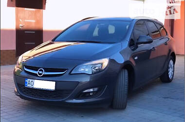 Opel Astra J 2015 в Мукачево