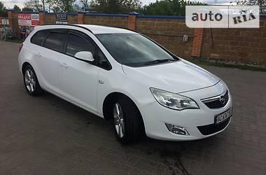 Opel Astra J 2012 в Нововолынске
