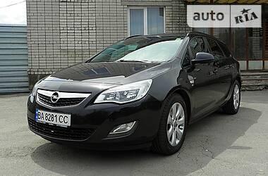 Opel Astra J 2012 в Умани