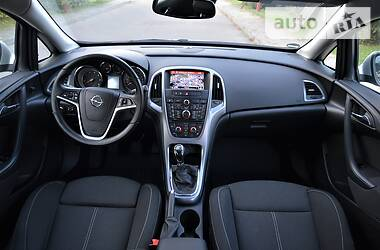 Opel Astra J 2015 в Луцке