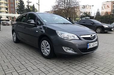 Opel Astra J 2011 в Ивано-Франковске
