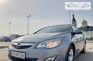 Opel Astra J 2011 в Хусте