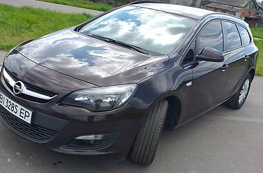 Универсал Opel Astra J 2014 в Новых Санжарах