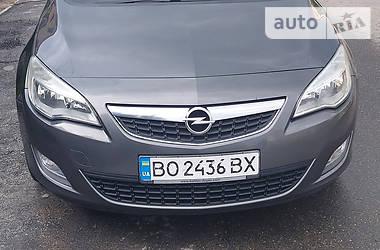 Универсал Opel Astra J 2011 в Тернополе