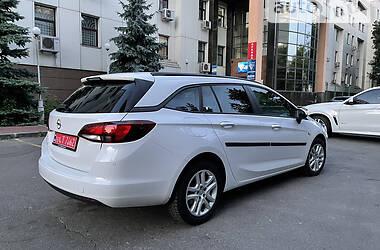 Универсал Opel Astra K 2016 в Киеве