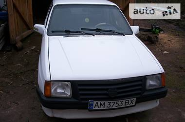 Opel Corsa 1987 в Коростене