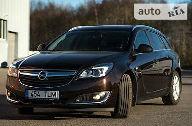 Opel Insignia Sports Tourer 2015 в Киеве