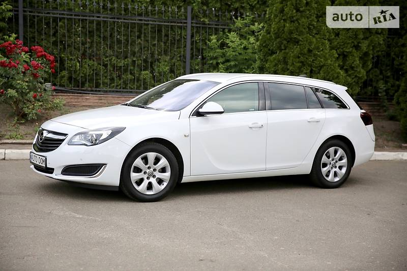 Opel Insignia Sports Tourer 2015 года в Киеве