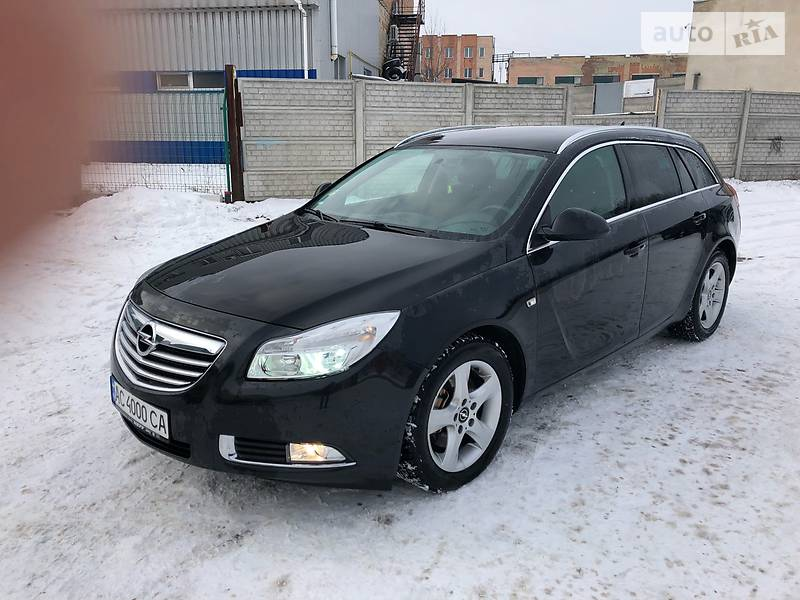 Opel Insignia 2011 года