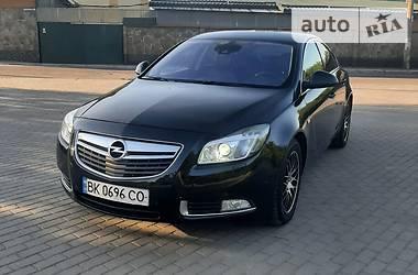 Седан Opel Insignia 2013 в Ровно