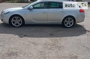 Универсал Opel Insignia 2010 в Липовце