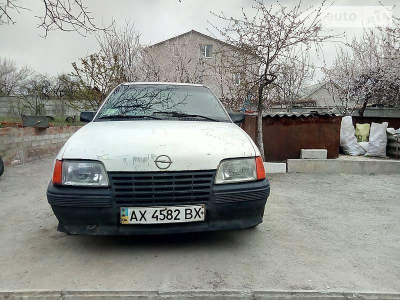 Opel Kadett 1986 в Харькове