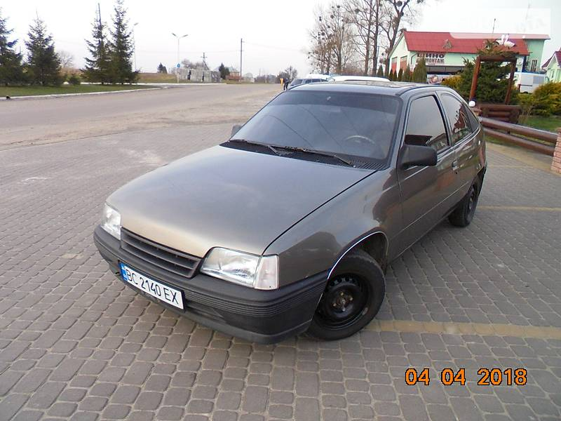 Opel Kadett 1987 в Ходорове