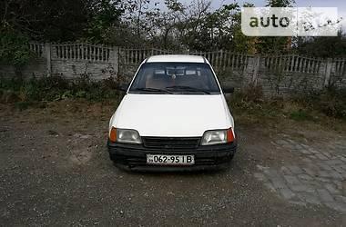 Opel Kadett 1986 в Черновцах
