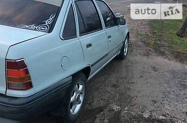 Opel Kadett 1989 в Владимир-Волынском