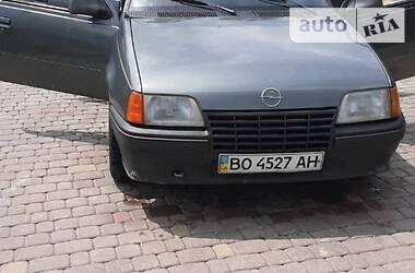 Opel Kadett 1988 в Кременце