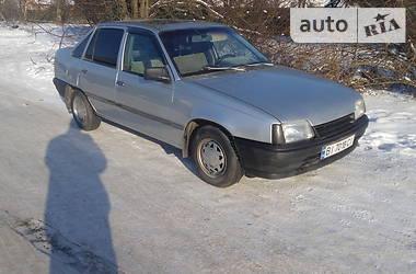 Opel Kadett 1987 в Хороле