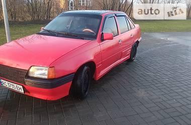 Opel Kadett 1988 в Нововолынске