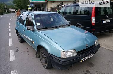 Хэтчбек Opel Kadett 1988 в Вижнице