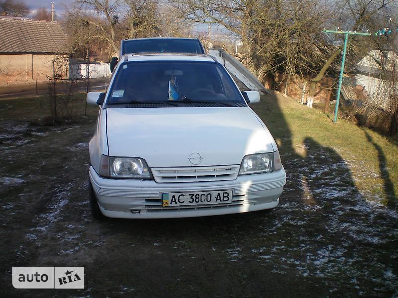Opel Kadett 1988 в Сокале