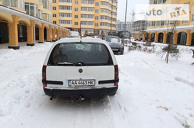 Opel Omega 1995 в Киеве