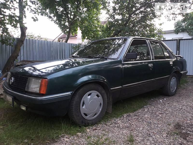 Opel Rekord 1980 в Черновцах