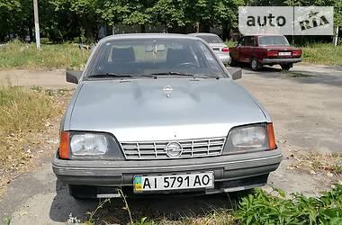 Opel Rekord 1985 в Вышгороде
